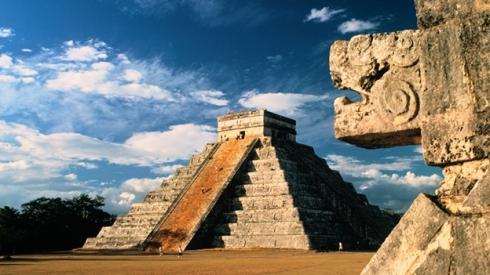 Los relieves de los templos y otras construcciones mayas nos cuentan la historia de este pueblo.